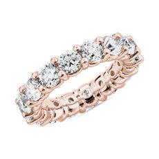 新款 18k 玫瑰金内圈圆弧设计圆形璀璨钻石永恒戒指<br>(5 克拉总重量)