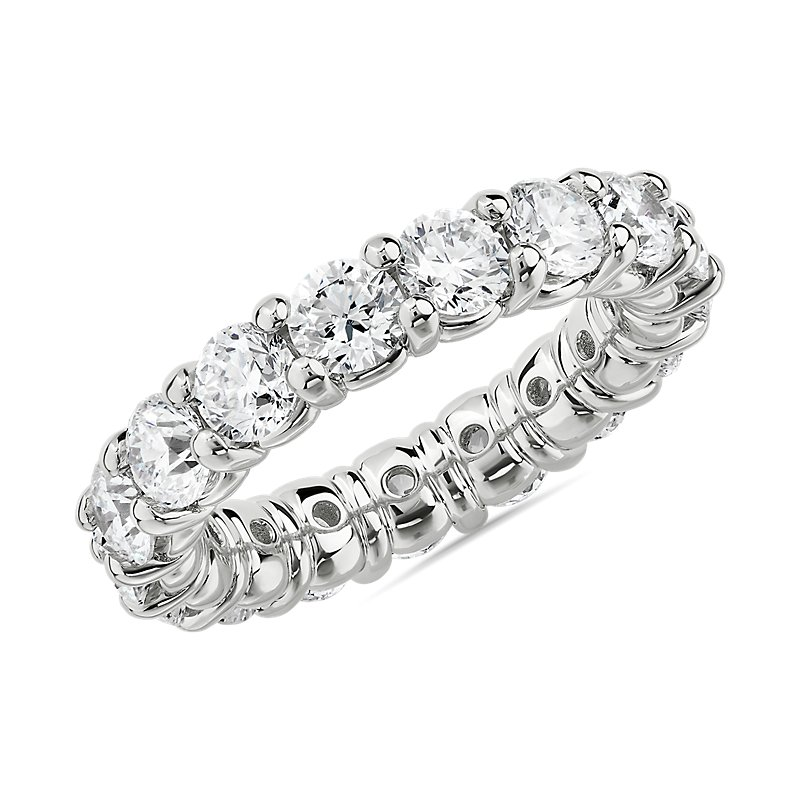 Comfort Fit Round Brilliant Diamond Eternity Ring in 18k White Go