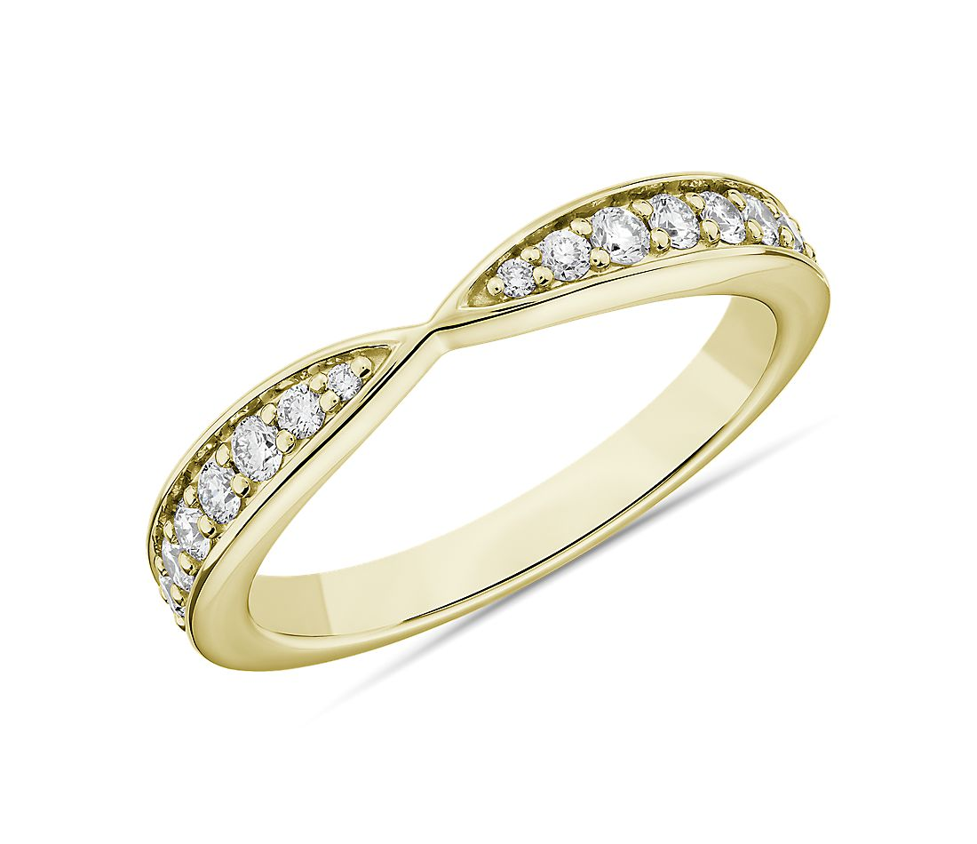 Contemporary Tapered Wedding Ring in 14k Yellow Gold (1/3 ct. tw.)