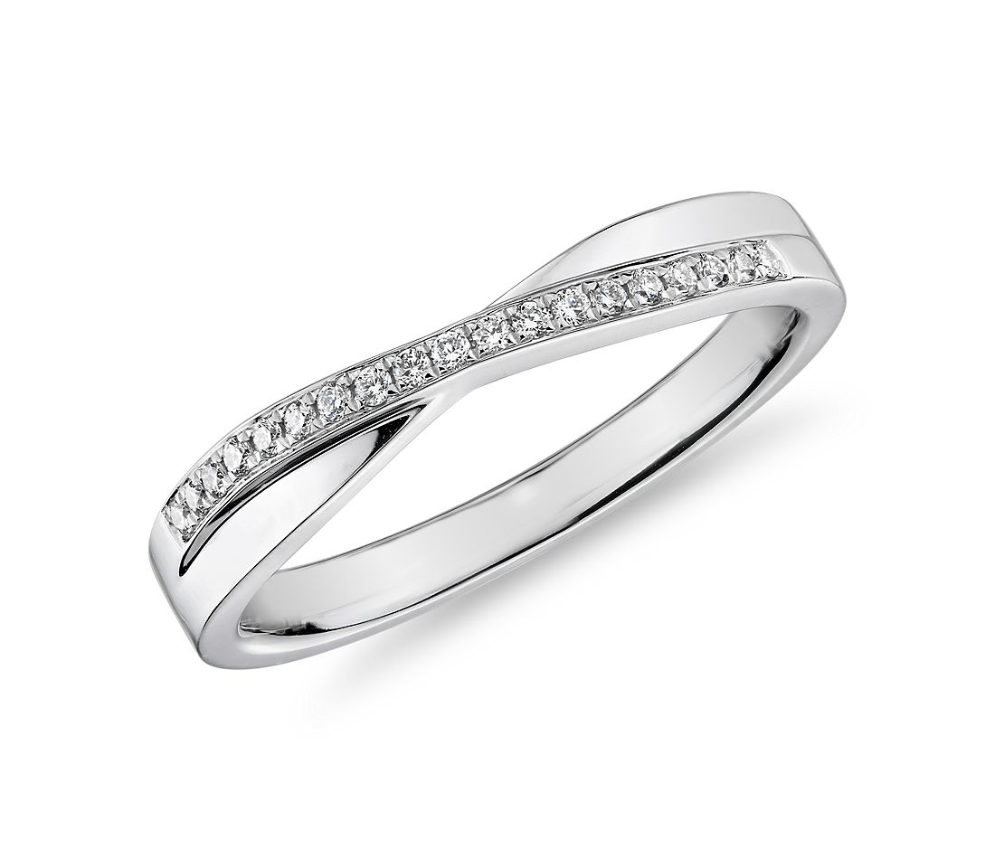 Crossover Diamond Female Ring in 14k White Gold (1/10 ct. tw.)