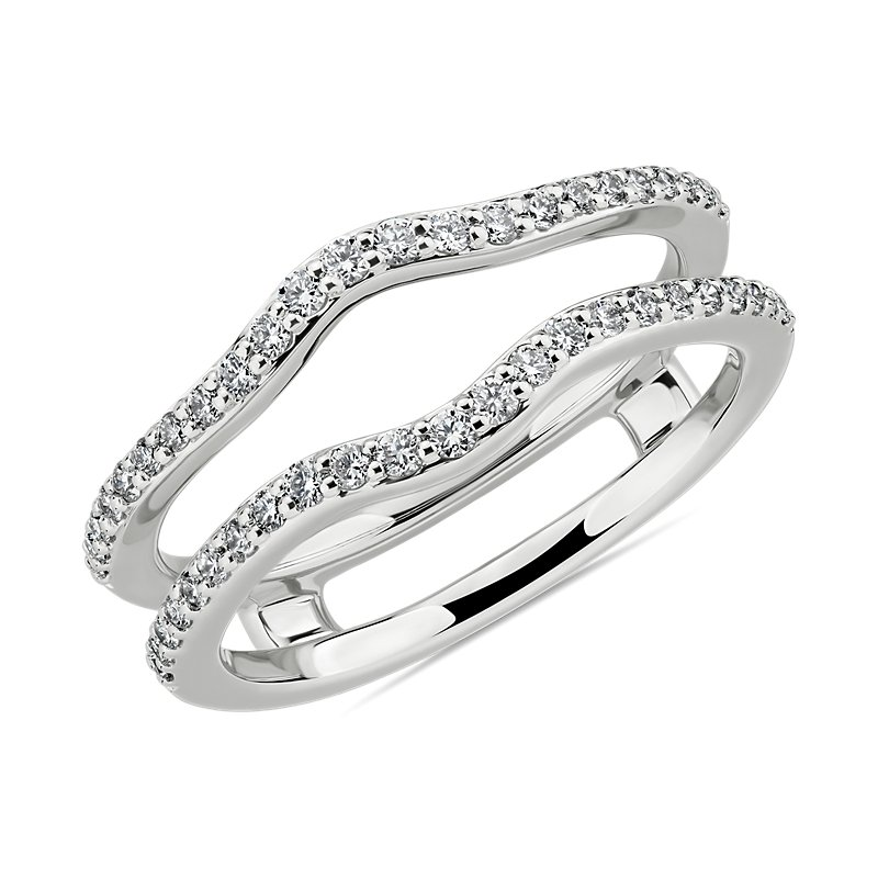 Curved Diamond Guard in 14k White Gold (1/3 ct. tw.)