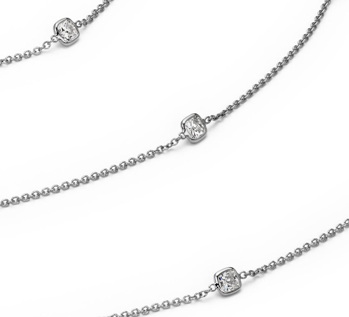 Collar de diamantes en bisel de talla cojín Fancies by the Yard en oro blanco de 18 k (7 qt. total)