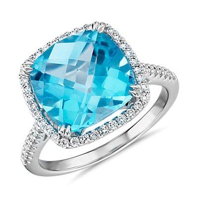 14k 白金垫形切割瑞士蓝托帕石与钻石光环鸡尾酒戒指(10.5毫米)