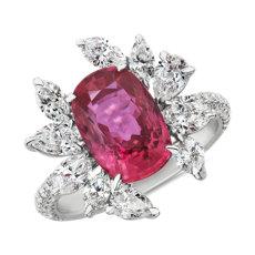 18k 白金墊形紅寶石與花卉鑽石戒指