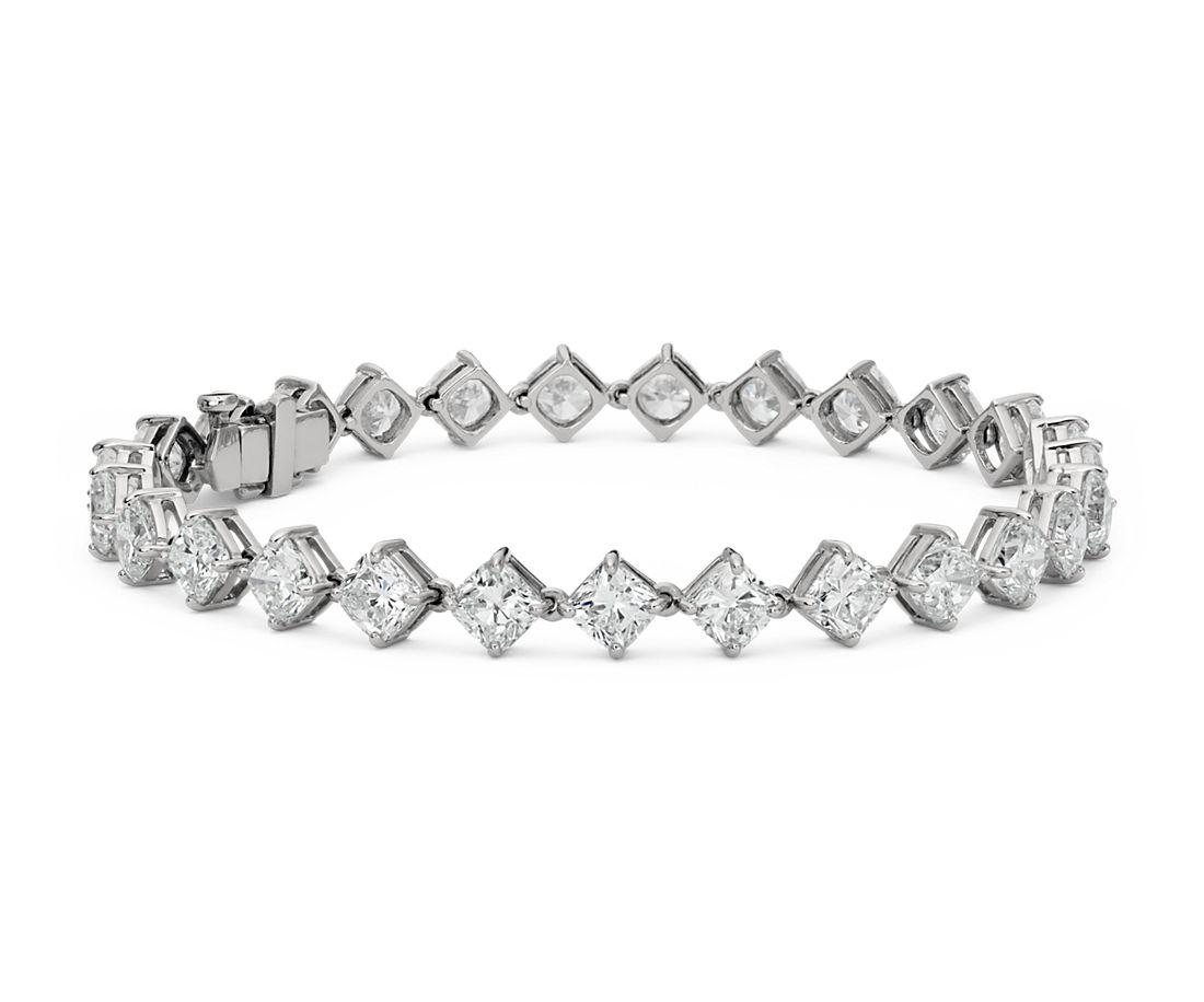Brazalete de eternidad de diamantes con montura de talla cojín en platino (14,24 qt. total)