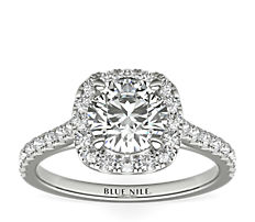 铂金垫形光环钻石订婚戒指<br>(1/3 克拉总重量)