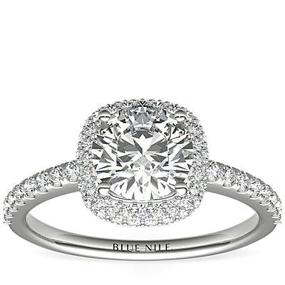 Anillo de compromiso de diamante de talla cojín superpuesto con halo  en oro blanco de 14 k (3/8 qt. total)