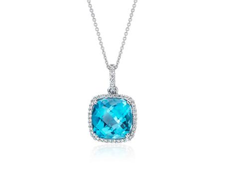 Pendentif topaze bleu suisse taille coussin et halo de diamants en or blanc 14carats (10,5mm)