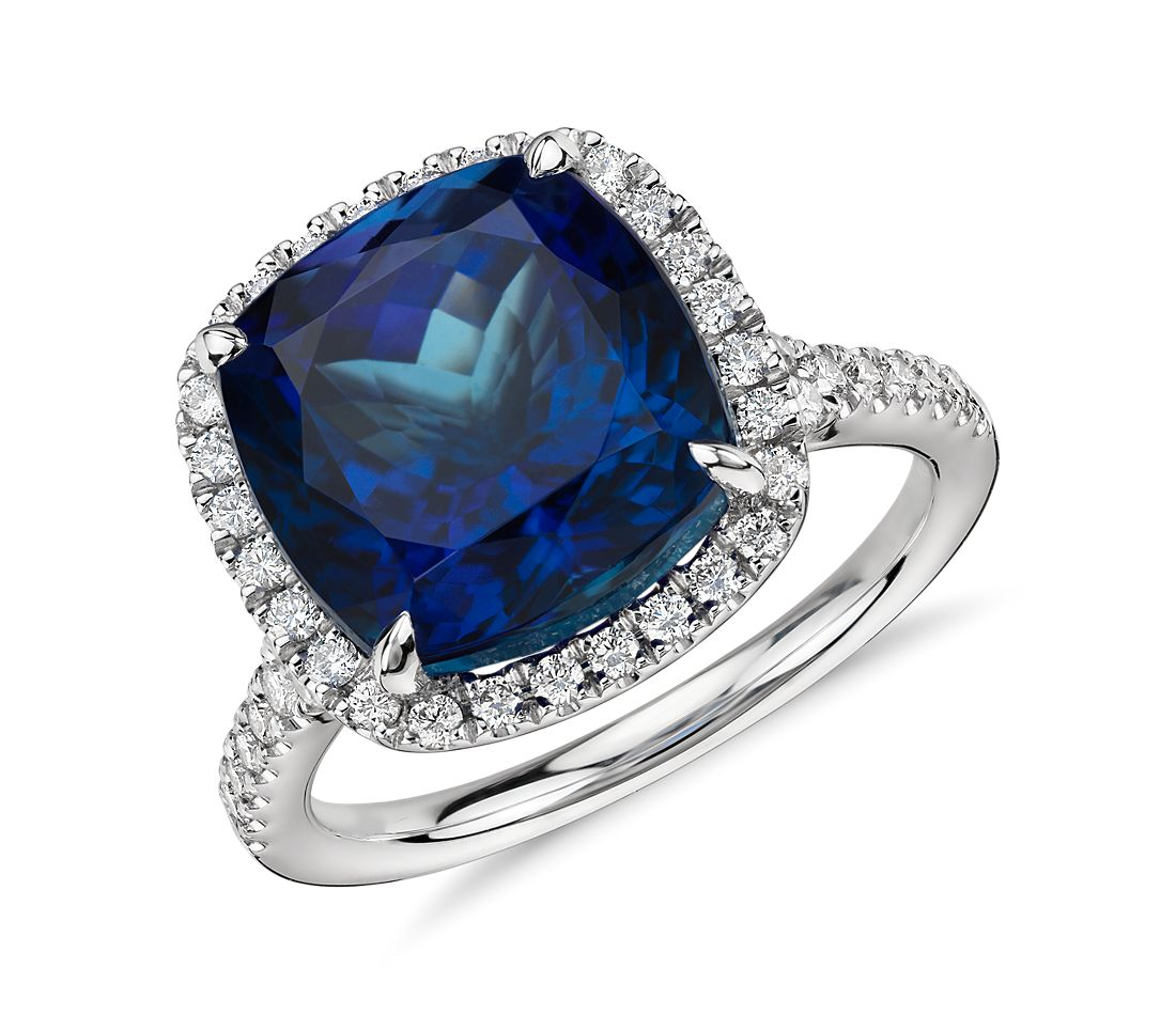 What Is A Halo Diamond Engagement Ring