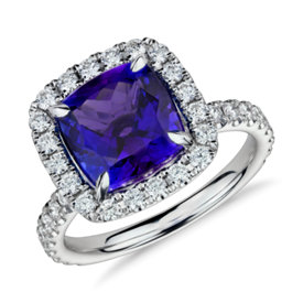 Bague halo de diamants sertis micro-pavé et tanzanite en or blanc 18 carats (4,76 ct au centre)<br>(9 x 9 mm)