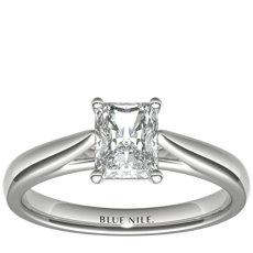 14k 白金尖顶大教堂单石订婚戒指