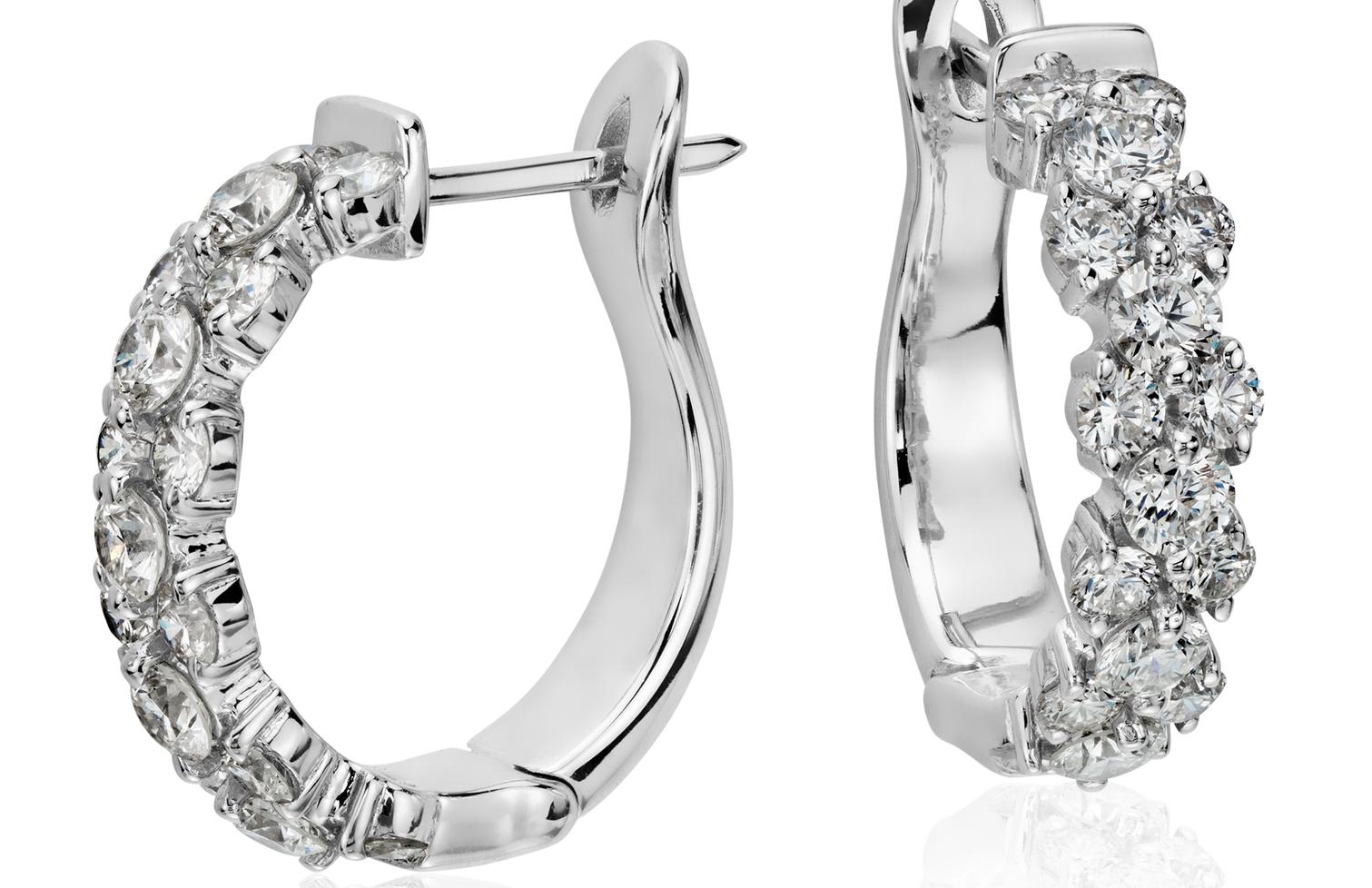 Aretes de diamante con argolla en forma de guirnalda en oro blanco de 18 k (2 qt. total)