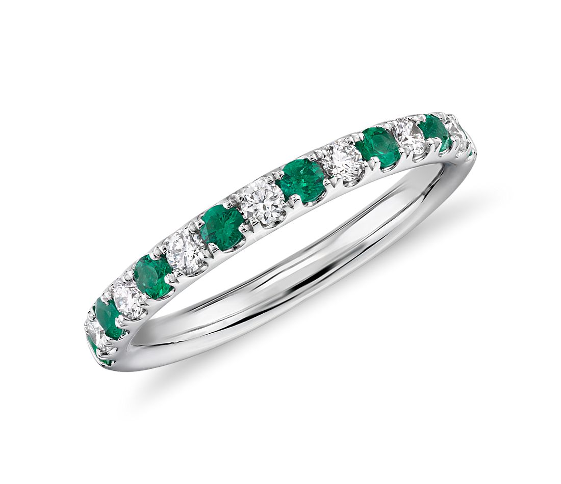 Emerald and Diamond Ring in 18k White  Gold (1.9 mm)
