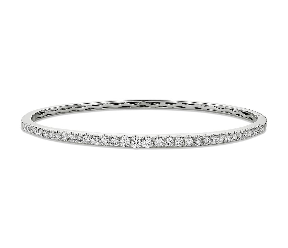 Diamond Bangle in 14k White Gold (1 1/10 ct. tw.)