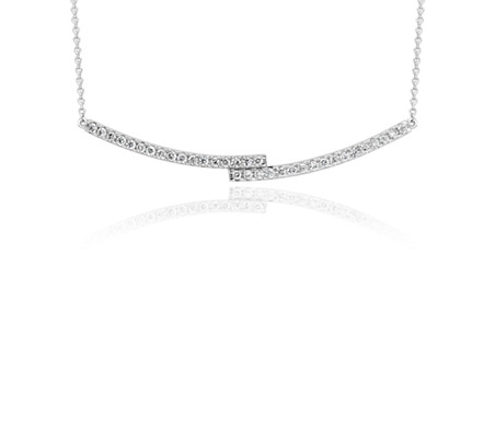 Collar de diamante con barra en oro blanco de 14 k (1/4 qt. total)