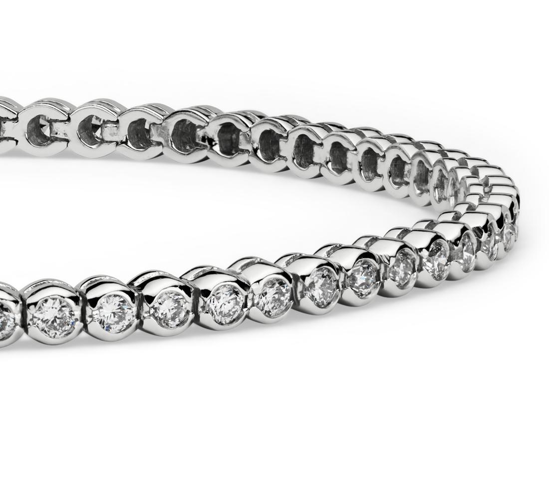 Brazalete de diamantes con bisel de diamantes en oro blanco de 14 k (2 qt. total)