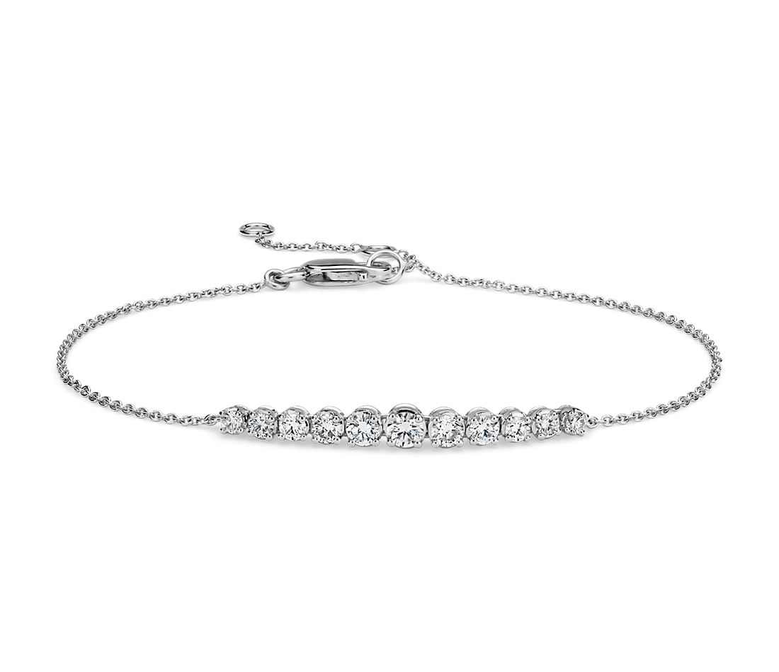 Diamond Graduated Curve Bracelet in 14k White Gold