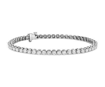 Bracelet tennis diamants de la plus haute qualité en platine (4carats, poids total)