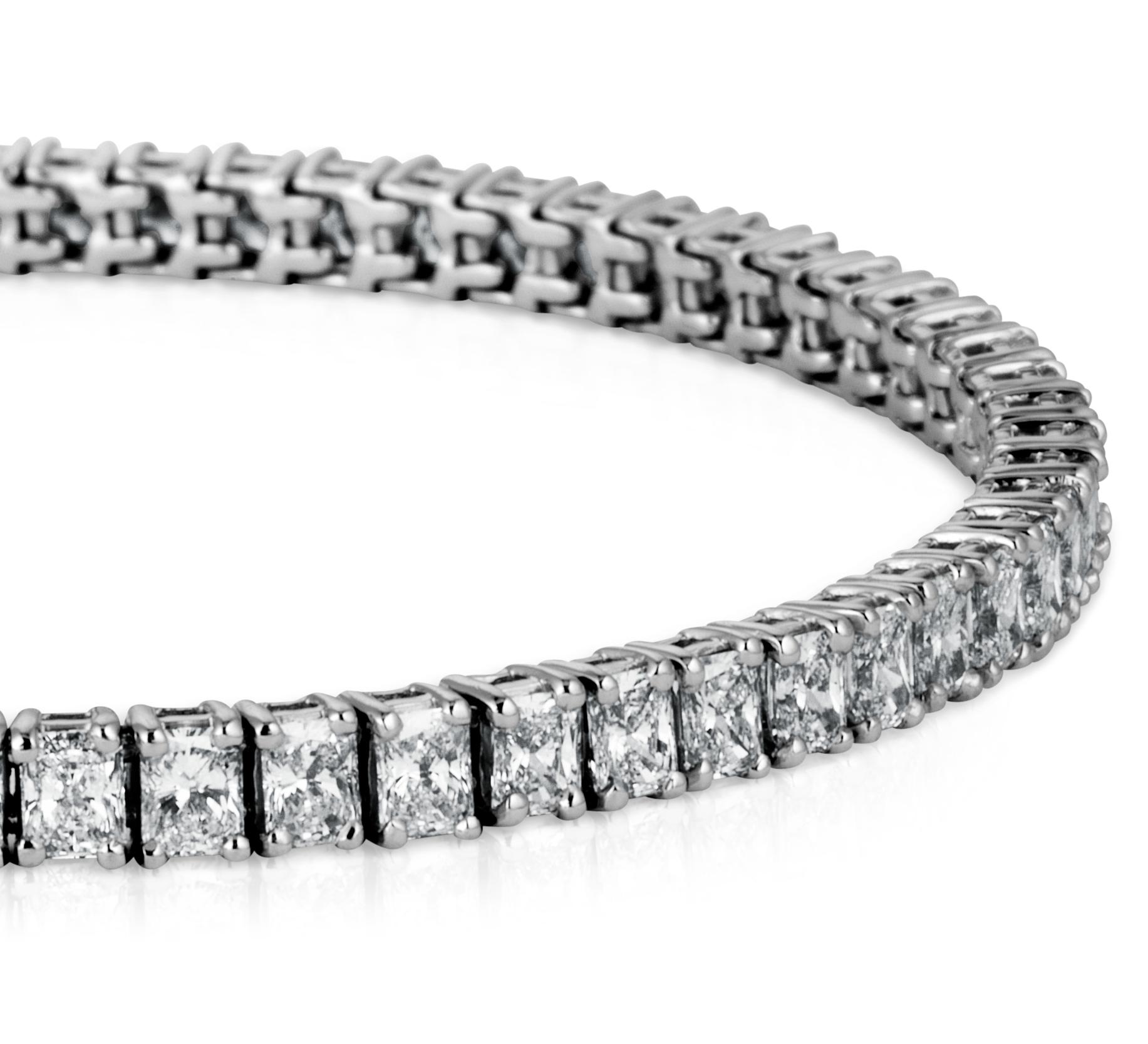 Pulsera de diamantes de talla radiante en platino (7 qt. total)