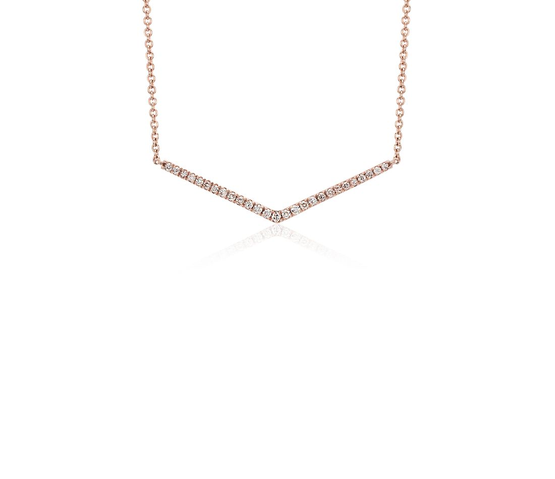 Collier petite barre de diamants chevron en or rose 14 carats