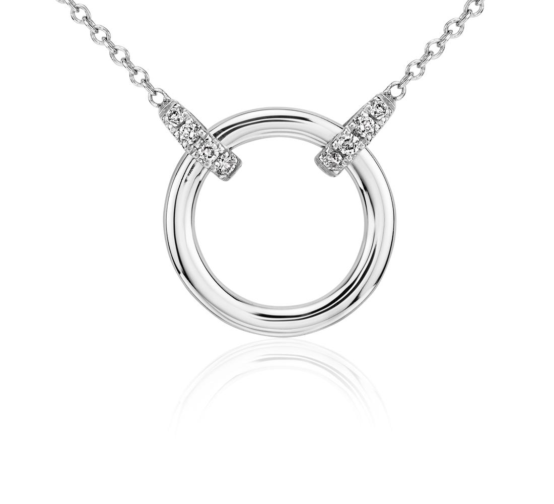 Collar circular de diamantes con asa doble en oro blanco de 14 k