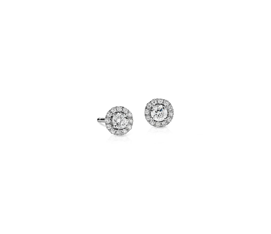 Mini aretes con halo de diamantes en oro blanco de 14 k (1/3 qt. total)
