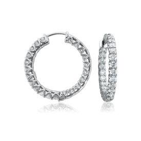 Aretes tipo argolla de eternidad con diamantes en oro blanco de 18 k (3 1/2 qt. total)