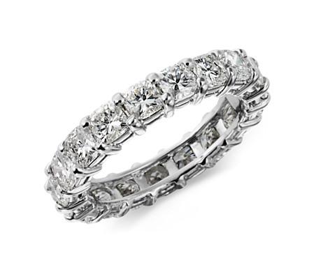 鉑金 墊形切割鑽石永恆戒指<br>( 3 1/2 克拉總重量)