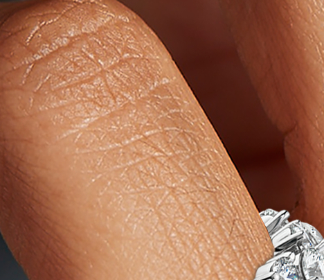 Anillo de eternidad de diamantes con forma de guirnalda en platino (5 qt. total)