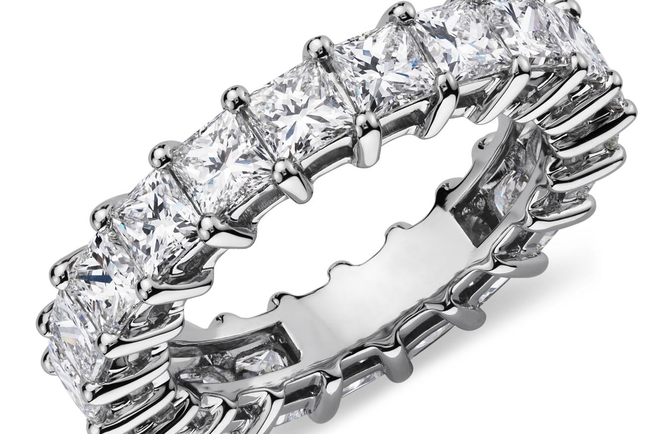 Bagues d'éternité diamant taille princesse en platine