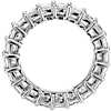 Anillo de eternidad de diamantes de talla princesa en platino (4 qt. total)