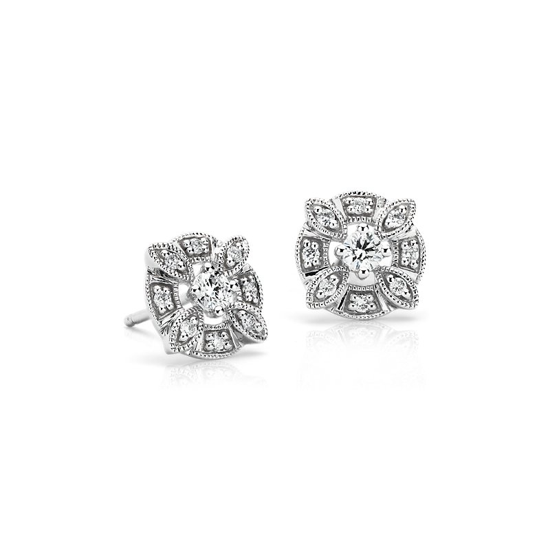 Diamond Circular Floral Stud Earring in 14k White Gold (1/4 ct. tw.)