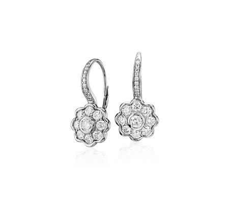 Pendants d'oreilles à fleur en diamant Blue Nile Studio en or blanc 18carats (1,39carats, poids total)