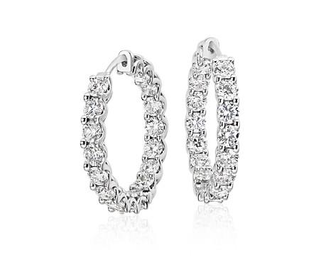 Aretes tipo argolla de diamantes en oro blanco de 18 k (5 qt. total)