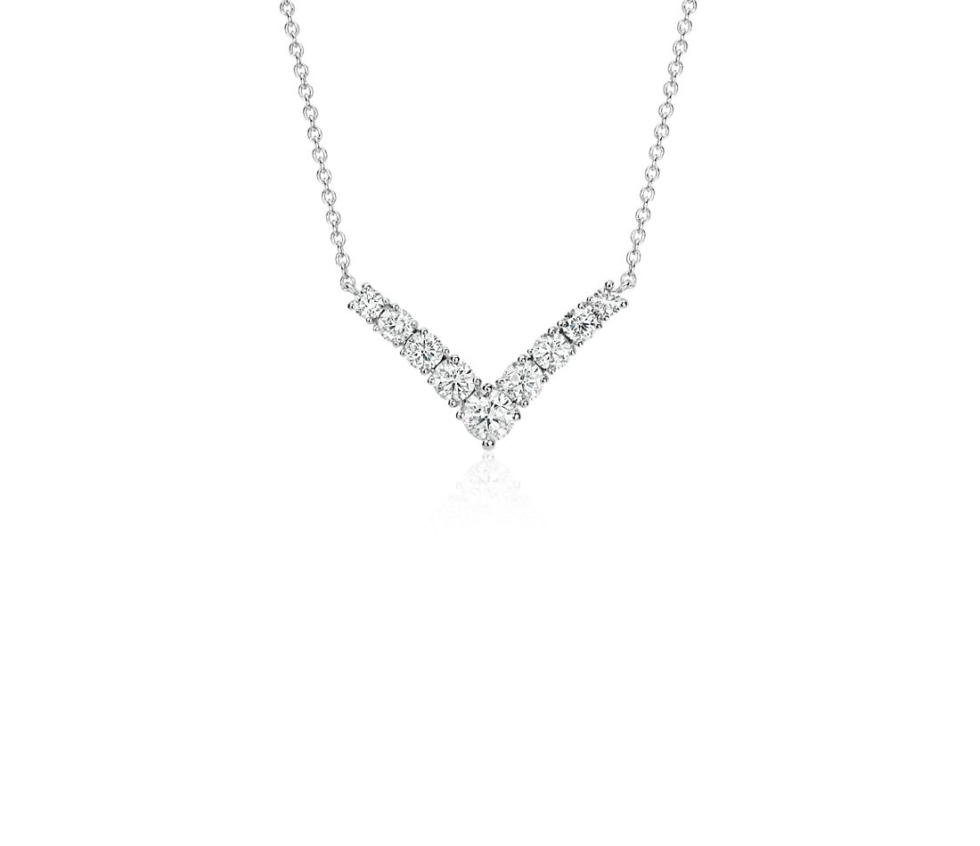 Collier barre de diamants en « V » en or blanc 14 carats