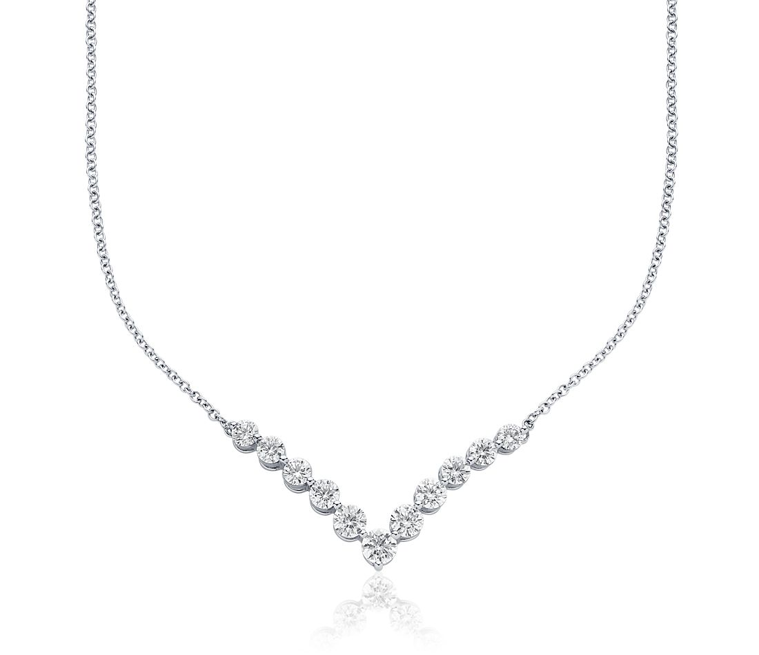 Collier barre de diamants en « V » en or blanc 18 carats (2 carats, poids total)