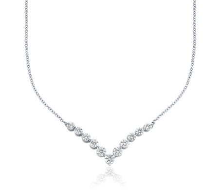 "Diamond ""V"" Bar Necklace in 18k White Gold (2 ct. tw.)"