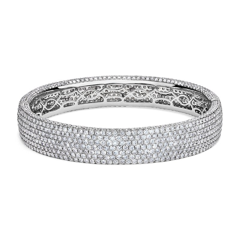 Diamond Pavé Bangle Bracelet in 18k White Gold (15 ct. tw.
