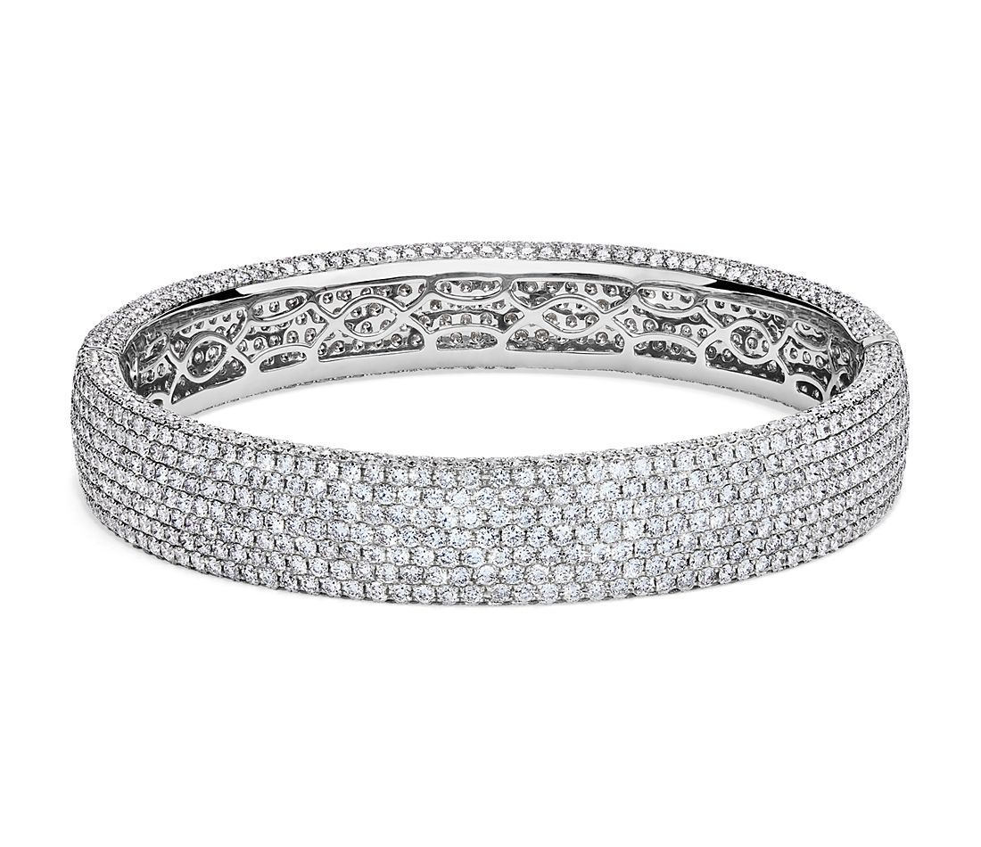 Diamond Pavé Bangle Bracelet in 18k White Gold (15 ct. tw.)
