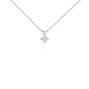 Colgante de diamantes de talla princesa en platino (3/4 qt. total)