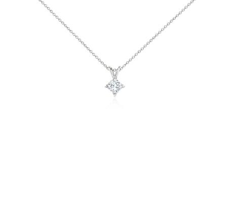 铂金公主方形钻石吊坠<br>(3/4 克拉总重量)