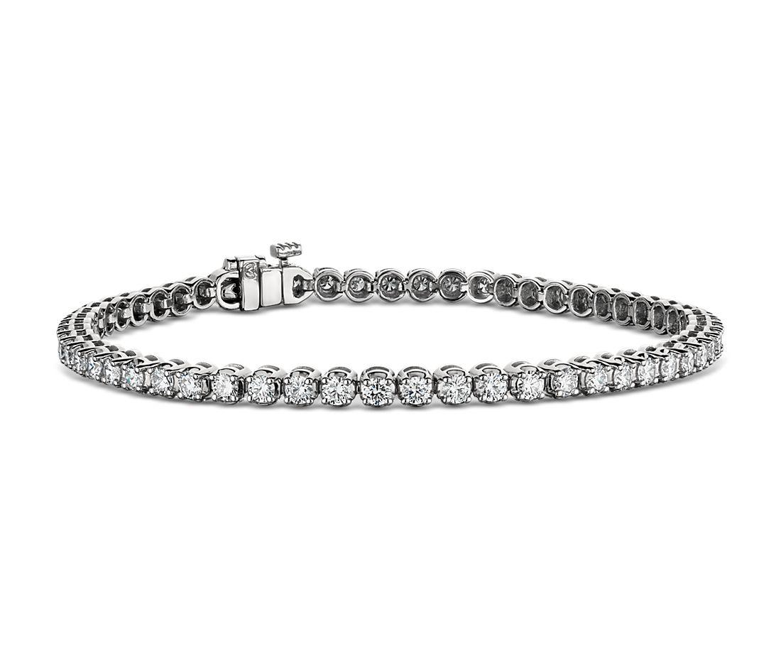 Bracelet tennis diamants de la plus haute qualité en platine (3carats, poids total)