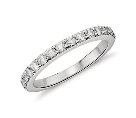 铂金密钉钻石戒指<br>(1/2 克拉总重量)