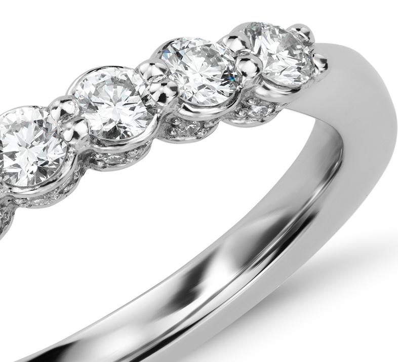 Bague couronne de diamants sertis pavé  en platine (1/2carat, poids total)