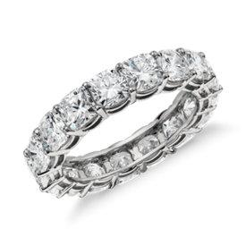 Bague d'éternité diamant taille coussin en platine (5carats, poids total)