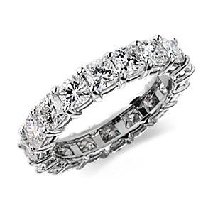铂金垫形钻石永恒戒指(4 1/2 克拉总重量)
