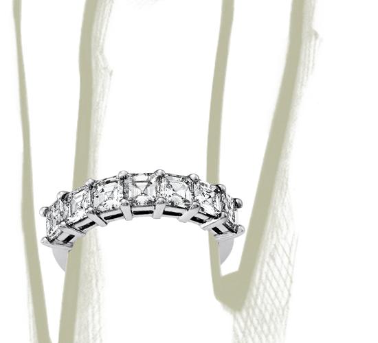 Bague diamant taille Asscher à cinq pierres classique en platine (2carats, poids total)