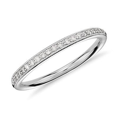 Anillo vintage de diamantes con pequeño pavé en oro blanco de 14k