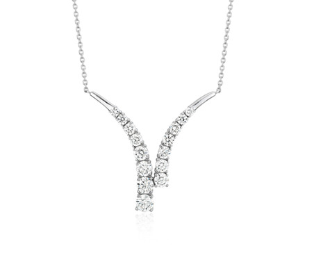 Collier V en diamants en or blanc 14 carats (1 carat, poids total)