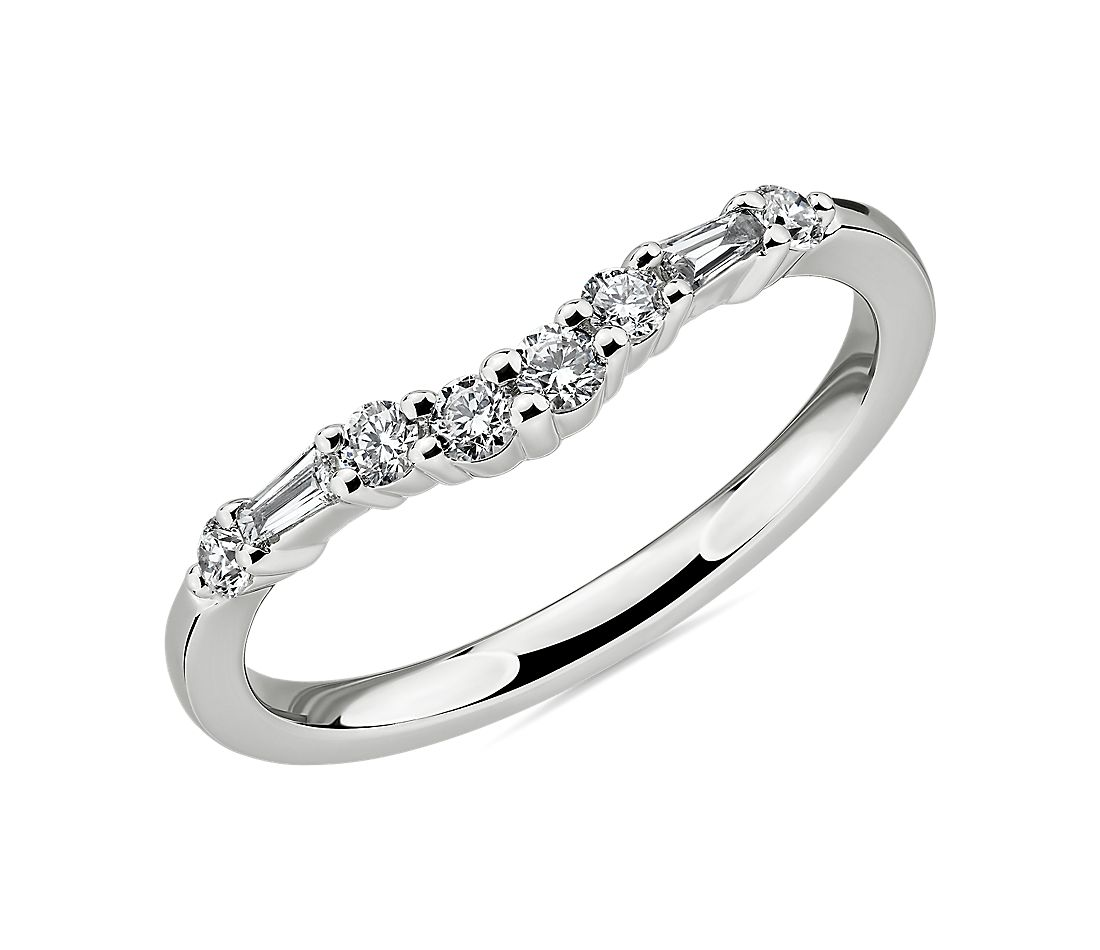 Dot Dash Diamond Curved Wedding Ring in 14k White Gold (1/4 ct. tw.)